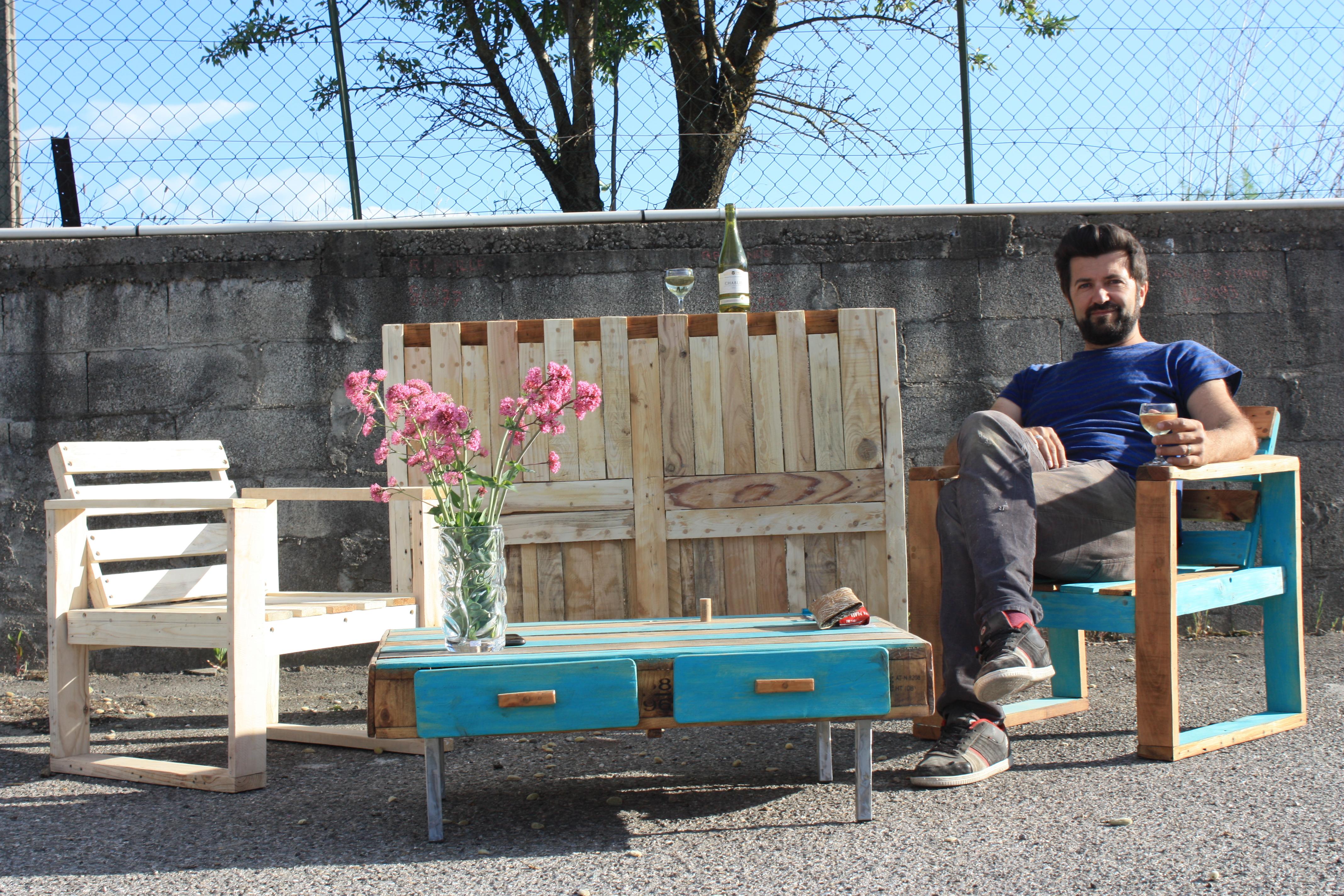 Au printemps 2016, les adhérents de la Nouvelle Mine apprendront à fabriquer leur propre mobilier de jardin à partir de palettes en bois récupérées auprès d'une entreprise locale. © A. Boumeziren